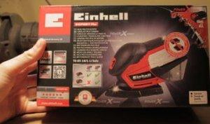 Der Karton der Einhell Schleifmaschine Einhell TE-OS 18-1 Li Solo.