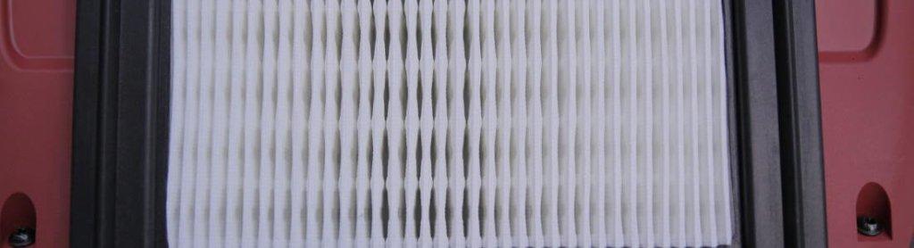 Ein weißer Filter, eingebaut in eine Maschine